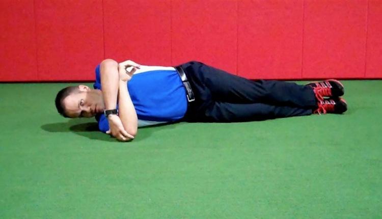 Cross Body Shoulder Stretch (start)