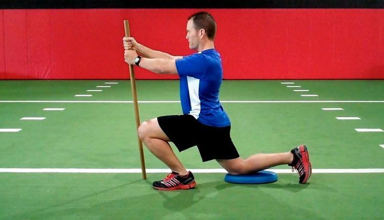 Half kneeling ankle dorsiflexion assessment (finis