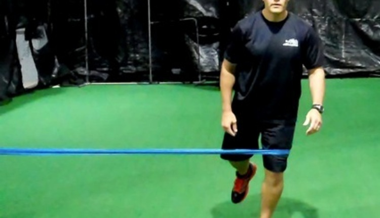 Theraband Activation Squat (1)